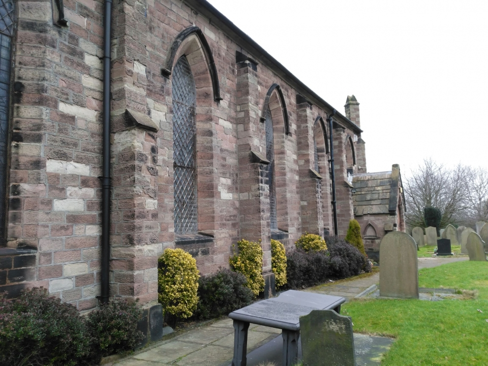 Melling church from churchyard closeup.jpg