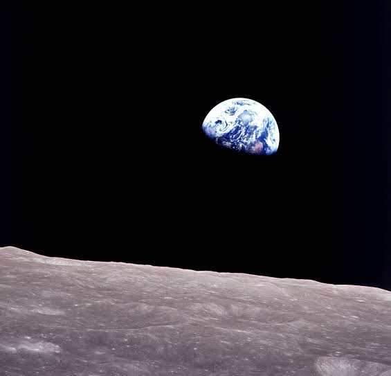 Earthrise — Our World Amongst the Stars